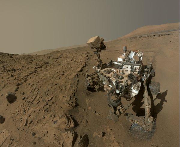 Curiosity Rover ternyata bisa SElfie :) Sumber: Nasa.gov